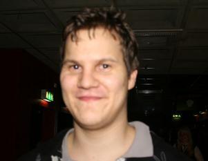 Erik Lif, 24 år, Gävle, arbetar.Vad är ditt bästa julklappstips? – En ny bil!Hur ska du fira jul?– Med släktingar.