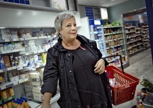 """- Margarinstekta kantareller, nej tack. Helena Boqvist har ett halvt paket smör hemma men blir bekymrad om smörbristen ska pågå länge. Hon nöjer sig inte med """"halvfabrikat""""."""