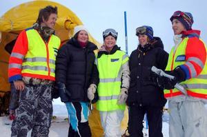 Robin Hoversjö, Rebecka Koijan, Elina Myrestaf, Julia Törnberg och Mårten Myhr tycker det är roligare att jobba på tävling än att sitta i skolbänken.