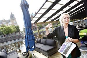 Camilla Westmans restaurang Gefle Brygga är ute för försäljning.– Jag vill inte kommentera det där mer, det blir bara en massa tok i tidningarna, säger hon.
