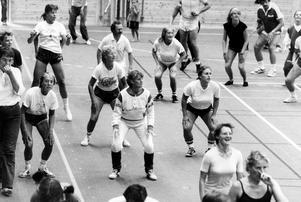 Motionsgymnastik kallade vlt passet på Friskis och svettis 1983. Gick du hit?