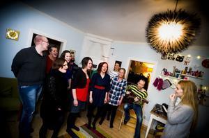 Alla kan sjunga-kören i Edsbyn är relativt nystartad – nu tävlar de med en egen låt i kampanjen pantamera.