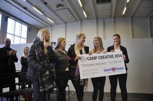 Lotta Flood, Alma Julin, Sunna Trebbin Harvard, Jenny Forslund och Emma Jonsson vann tillsammans hela 10 000 kronor för sin idé om att utveckla stadskärnan.