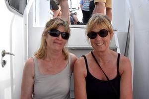 Susanne Norberg och Linda Rasmusson på väg mot en heldag på Trysunda.