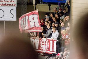 Timrå IK-supportrar i Sundsvall Energi Arena.