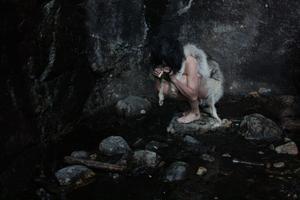 """Omdebatterad utställning. """"The Arrival of Fenrir"""" av Daughters of Valhalla, i """"Om ljuset tar oss"""" på Gävle Konstcentrum."""