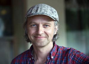Björn Kjellman ska både sjunga och skådespela på julturnén med Shirley Clamp, Sanna Nielsen och Sonja Aldén.