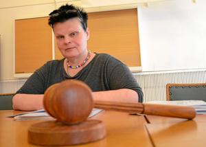 Viktiga frågor. Att lägga över samhällsplaneringen på BMB oroar inte Annalena Järnberg (S).