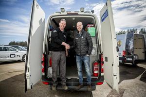 Ola Thyllman och Hans Nordin är överens om att en mobil verkstad är en bra lösning för att serva alla VAG-kunder i Härjedalen.