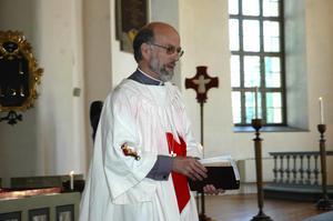 Slutpredikan. Bo Zetterlund höll sin avskedspredikan i Hedemora kyrka i gårdagens gudstjänst. Kyrkan var fylld av församlingsmedlemmar och kollegor som ville hylla honom.