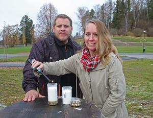 Tobias Lindberg och Maria Eriksson tror att ljusmanifestationen för Sollefteå BB blir en riktigt stor händelse i stadsparken i Sollefteå.