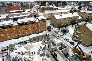 Ett av många. Bygget av de 31 hyreslägenheterna i kvarteret Fiskalen är bara ett av många projekt som påbörjades 2010. Sedan början av 2000-talet har Kumla kommun med ett enda undantag abonnerat på andraplatsen efter Örebro när det gäller nyproduktionen av bostäder i länet.
