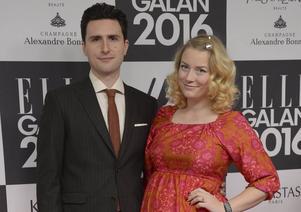 Elsa Billgren och Pontus de Wolfe har fått en son.
