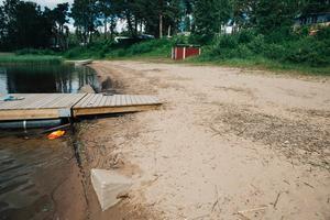 Åke Wallin har reagerat på att den nuvarande stranden är dåligt underhållen.