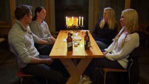 Efter en stel middag valde Kajsa Johansson och Madeleine Karlsson att lämna