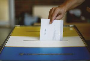 Kommer P7-majoriteten i Arboga att följa resultatet av en folkomröstning om Medåkers skola? undrar insändaren.