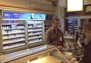 Tack och hej, säger Mats Gröning och övrig personal vid macken i Dingersjö.