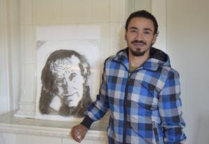 Ehab Hameed, asylsökande konstnär från Syrien som ska ha sitt första ska ha vernissage i Sverige och det blir i Leksand.