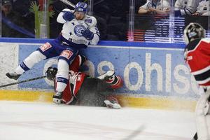 Viktor Mårtensson var tillbaka i Leksands lag och spelade fysiskt i vanlig ordning.