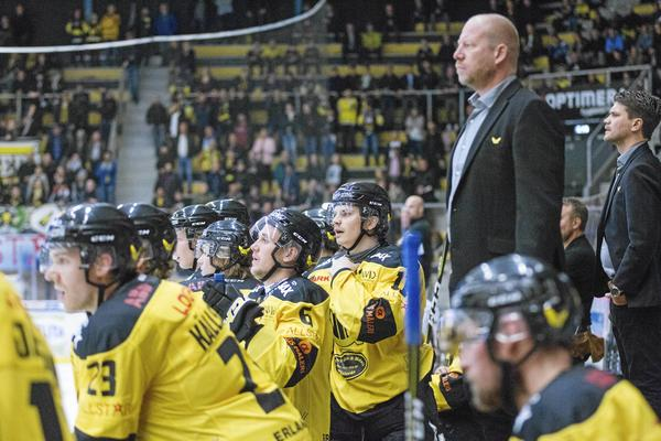 Det är toppen mot botten i Hockeyettan västra som ställs mot varandra då VIK Hockey tar emot IFK Arboga.