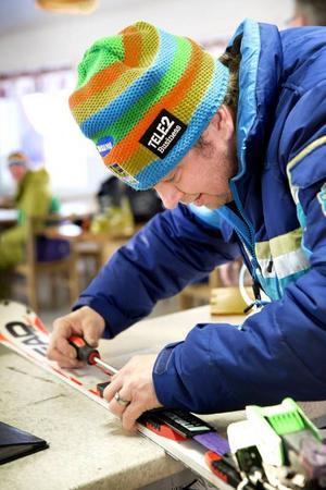 – Man vill ju så gärna köra i gång och att backen ska öppna. Det är det enda, säger Håkan Källbom, ordförande i Almåsa AK.