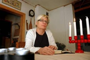 SLUTA. Ann-Cathrin Larsson vill fortsätta som gruppledare för folkpartiet – men kan tvingas sluta på grund av ekonomiska skäl.Foto: Katarina Lönnberg