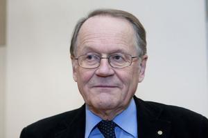 Lennart Bolander drog en flyktingdebatt redan vid novembersammanträdet.