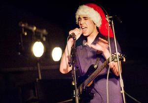 Dorél Klitkou sjunger i bandet som ännu inte har något namn. Hårdrock och dödsmetall är bandets melodi. Foto: Ulrika Andersson