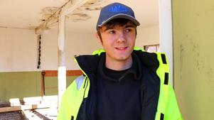 Emil Larsson beskriver sig själv som en mångsysslare och har hållit på med olika byggprojekt sedan han var liten.