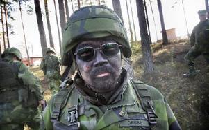 Björn Grubb bor i älvdalen men är född i Sydkorea. Han blev tipsad av en kompis att gå med i Hemvärnet. Foto: Staffan Björklund
