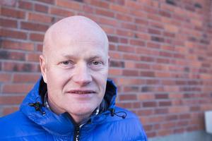– Det har ju varit en längre period av att man har bytt ut folk. Konsekvenserna har ju varit att vi inte lyckats få fram detaljplaner i den taktsom vi har målsättning att göra. Där ser vi nu en tydlig förändring, säger Jari Hiltula, samhällsbyggnadschef på Åre kommun.