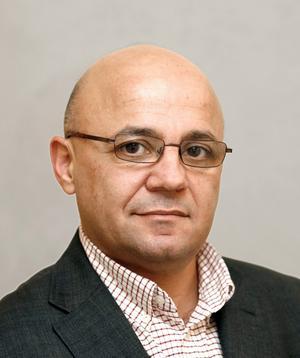 Murad Artin (V).