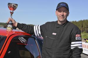Mikael Jonsson vann Bracketklassen – trots en hoplappad gasvajer.