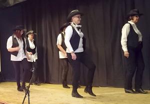 Coppermine Kickers dansade in årets första medlemsmöte hos Borlänge HjärtLung.