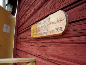 Byggnaden där marknaden håller till är en gammal loge från Alanäs.