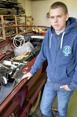 Arkivbild. Carl Ekemur från Nora tävlade i klassen Bilskada i yrkes-SM i Malmö.