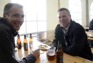 Bert-Ola Danielsson och Lars Gunnarsson såg fram emot en lugn och trevlig kväll med god mat och dryck.
