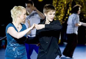2009-02-06   Minisnurren inklusive DM i bugg- och rock'n'rolldanser. Njurundahallen. Par 209, Anton Nordlander och Jessica Andersson-Östman, Altira dansklubb. Blev trea i klassen Boogie Woogie Vuxen.
