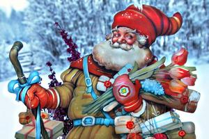 God Jul önskar Elisabet och hennes jultomtar från förr.