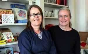 DRAGAREterribletwins_breddare:- Vi har en unik relation. Vi har alltid varit goda vänner och både rest och bott ihop. Vi kan varandra innan- och utantill, säger systrarna Sara och Karin Ström som driver livsstilsbutiken Terrible Twins i Insjön.FOTO: A