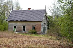 En före detta Erikslundsbo vill att gamla skolan i Magdbyn bevaras till eftervärlden.