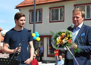 Filip Forsberg uppvaktades också av Företagarföreningen FFLIST och fick nu offentligt ta emot sin utmärkelse Årets Leksandsprofil.