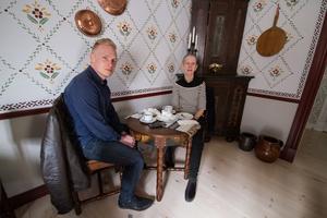 Anita Frändfors och Martin Thomasson, båda från Norberg, hade hittat ett bord i Elsasrummet.