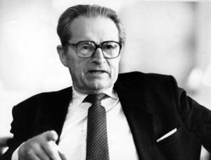 Curt Nicolin var Aseas vd 1961-76, därefter styrelseordförande.