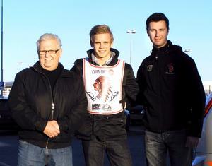 Simon Gustafsson(mitten) är klar för GP Challenge-final.