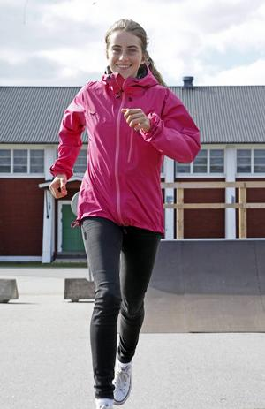 Ebba Andersson, skidåkare och friidrottare.