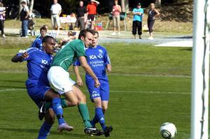 Fotboll. Fredrik Börgel kvitterade till två lika fem minuter in i andra halvlek och kom senare även att göra Grönbos segermål 3–2.