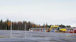 Än så länge har Sveabyggen AB inte fått bygglov men man håller på med de förberedande markarbetena. I bolagets kontrakt står det att de måste påbörja markarbetena och få bygglov senast 15 september 2018.