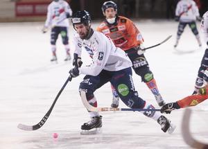 Mattias Hammarström i en ny – och lyckad – roll som mittfältare. Det är bland det mest positiva under säsongen för tränaren Magnus