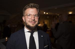 Efter att gruppledare Marita Lärnestad aviserat att hon kliver åt sidan hoppas Moderaterna på en Alexander-effekt, med Alexander Rosenberg som ny toppkandidat.
